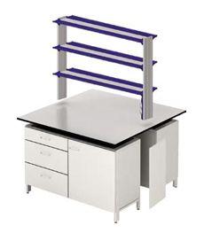 Лабораторные столы на двойных металлических опорных тумбах